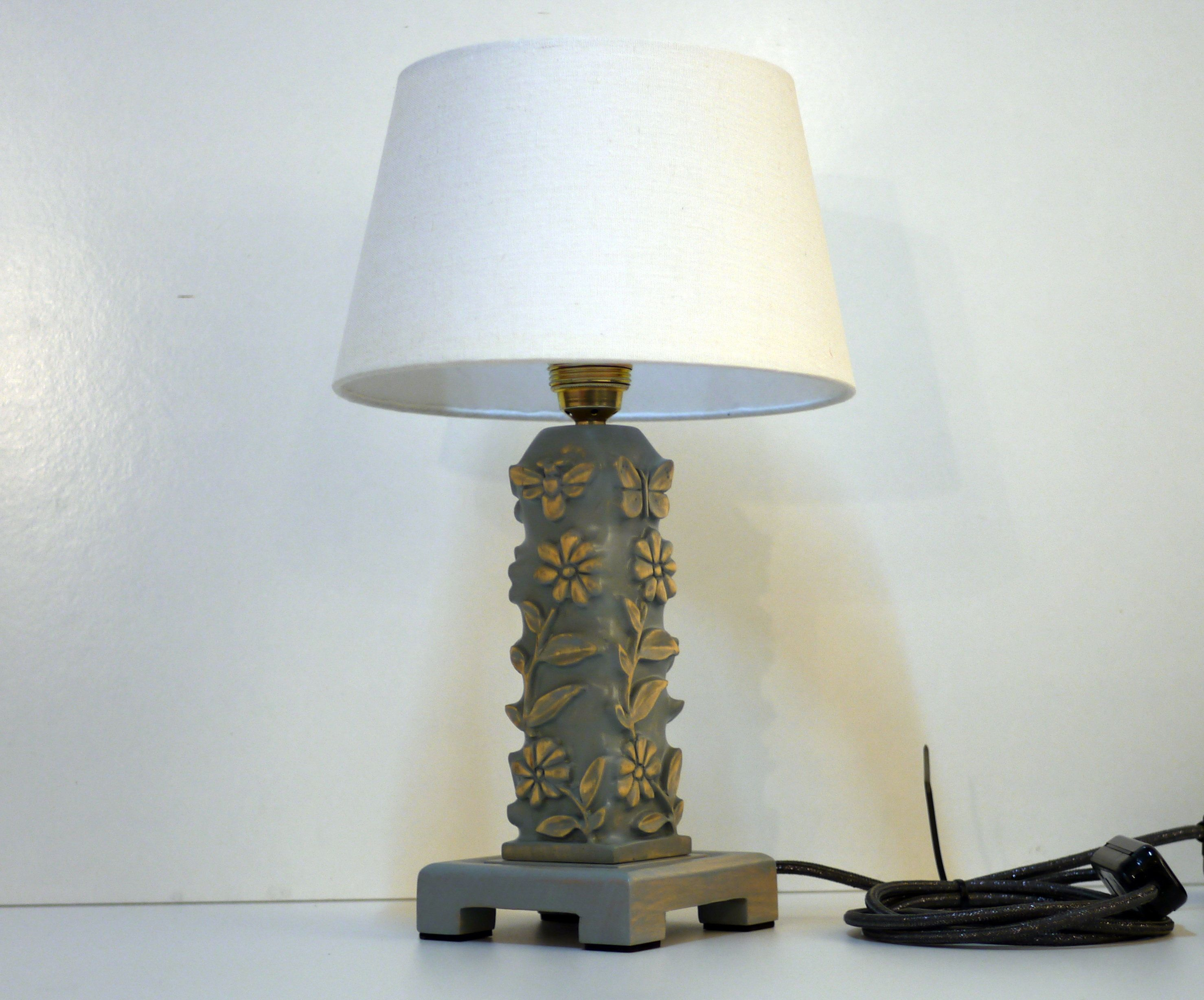 Tischlampe Holz geschnitzt taubenblau (With images) Lamp