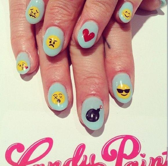 Vistoso Emoji Morderse Las Uñas Imagen - Ideas de Diseño de Arte de ...
