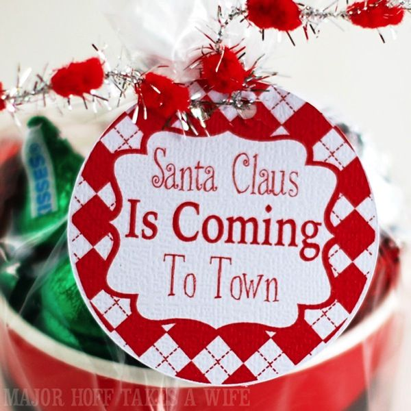 Santa claus is coming to town free printable gift tags found at santa claus is coming to town free printable gift tags found at major hoff takes a negle Gallery