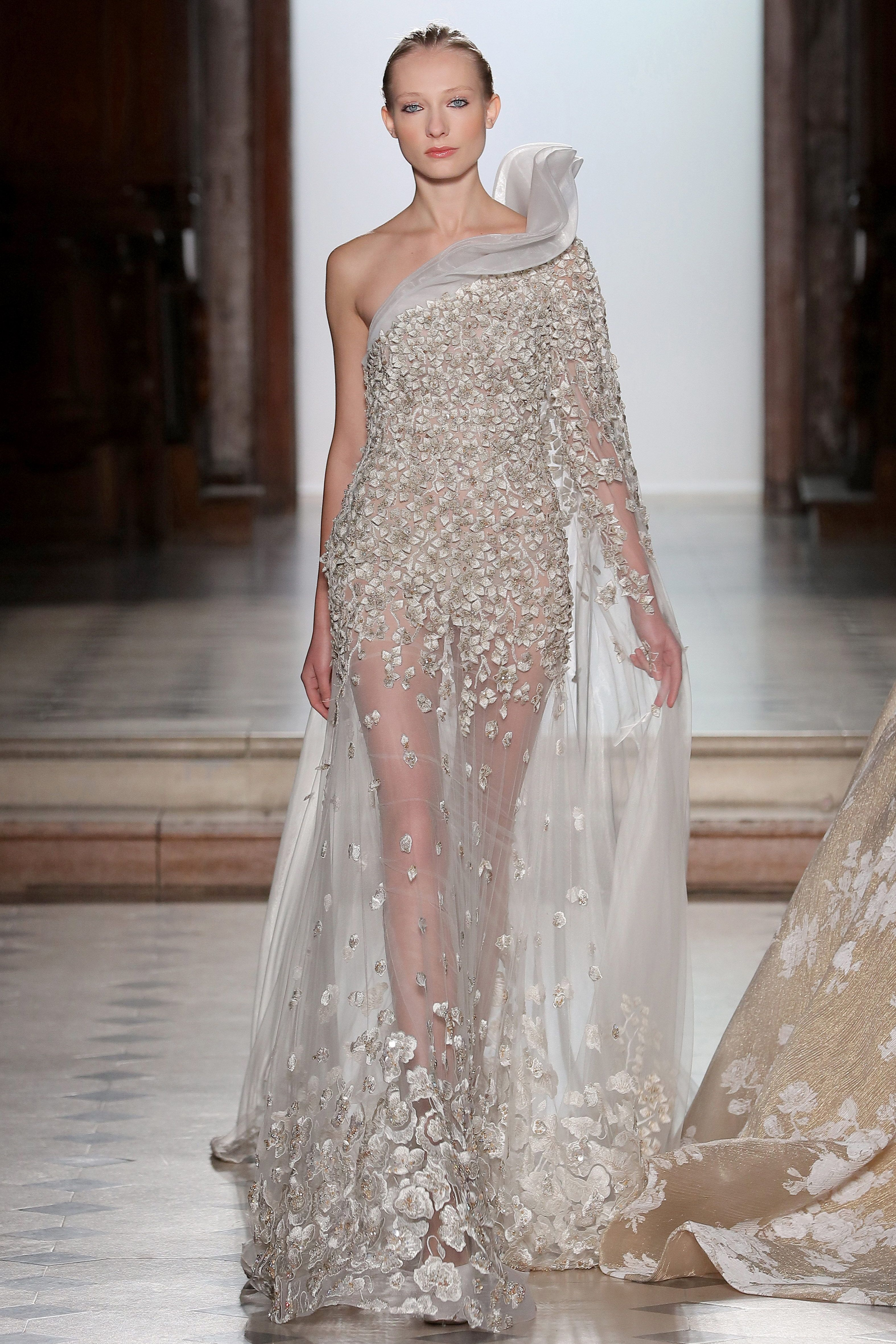 d29184fffb8 Tony Ward Couture I Spring Summer 2018 I White dress with hand-made silk  thread embroideries in form of fractals.