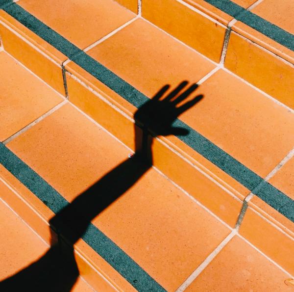 Marc Ilicic / Picdit / Ombre / Hand / Colors / Déformation / Photographie