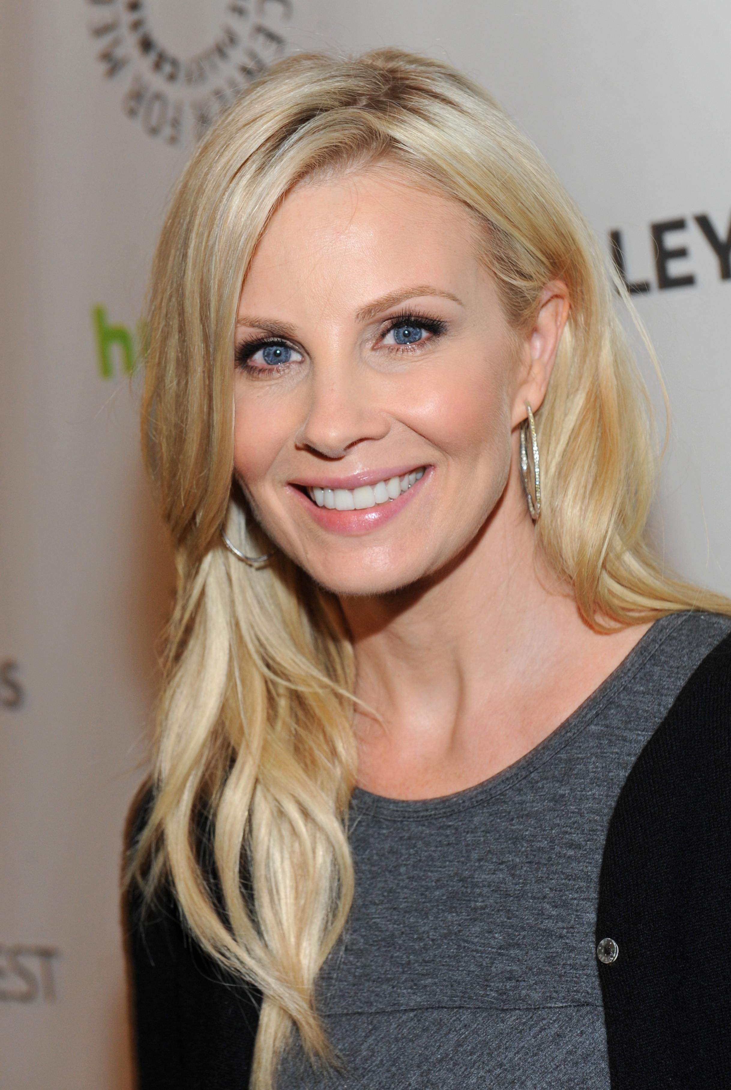 Monica potter celebrates the success of parenthood during the monica potter celebrates the success of parenthood during the paley center for medias paleyfest winobraniefo Gallery