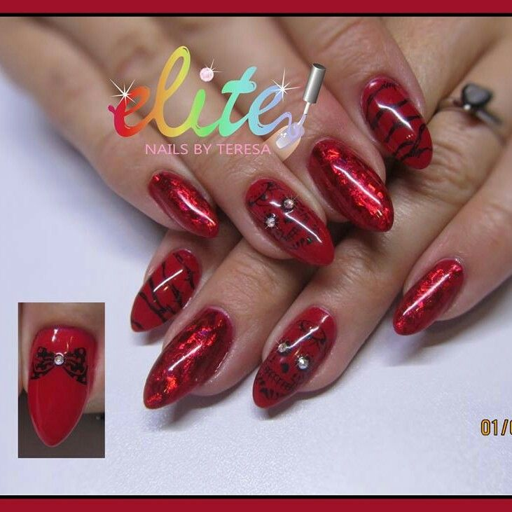 Red nails with skulls barbed wire and foil | My Nail Designs - Elite ...