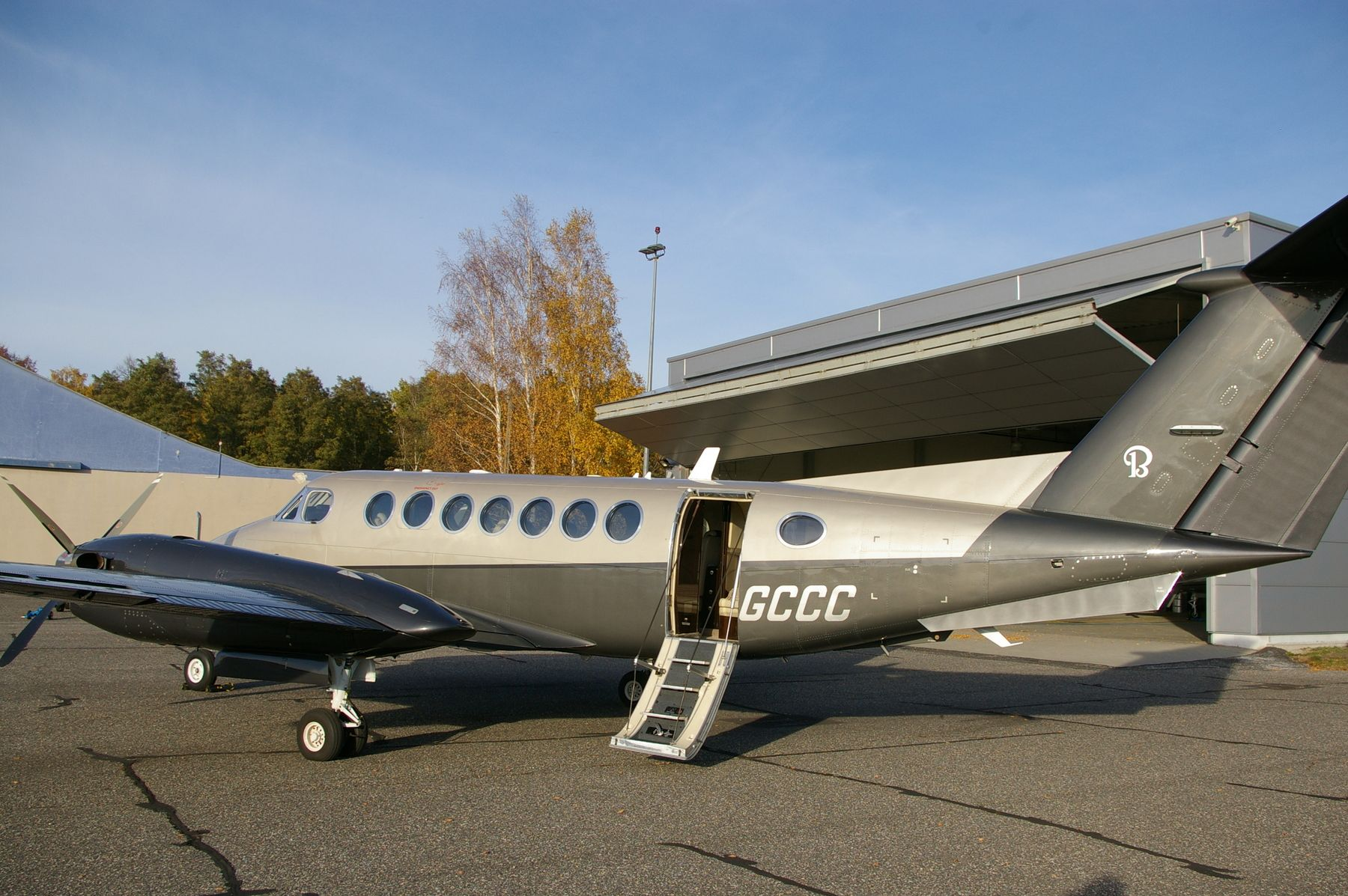 2011 Beechcraft King Air 350i for sale in Poland => www