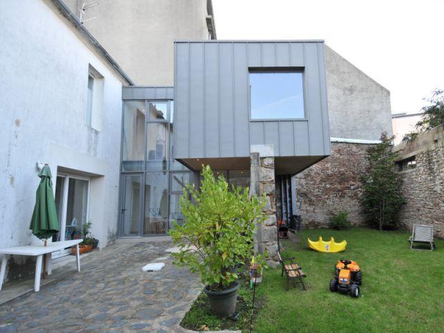 Superbe Extension : Une Boîte En Zinc Posée Sur Un Mur. Idée MaisonAgrandir Sa  MaisonFaire ... Images