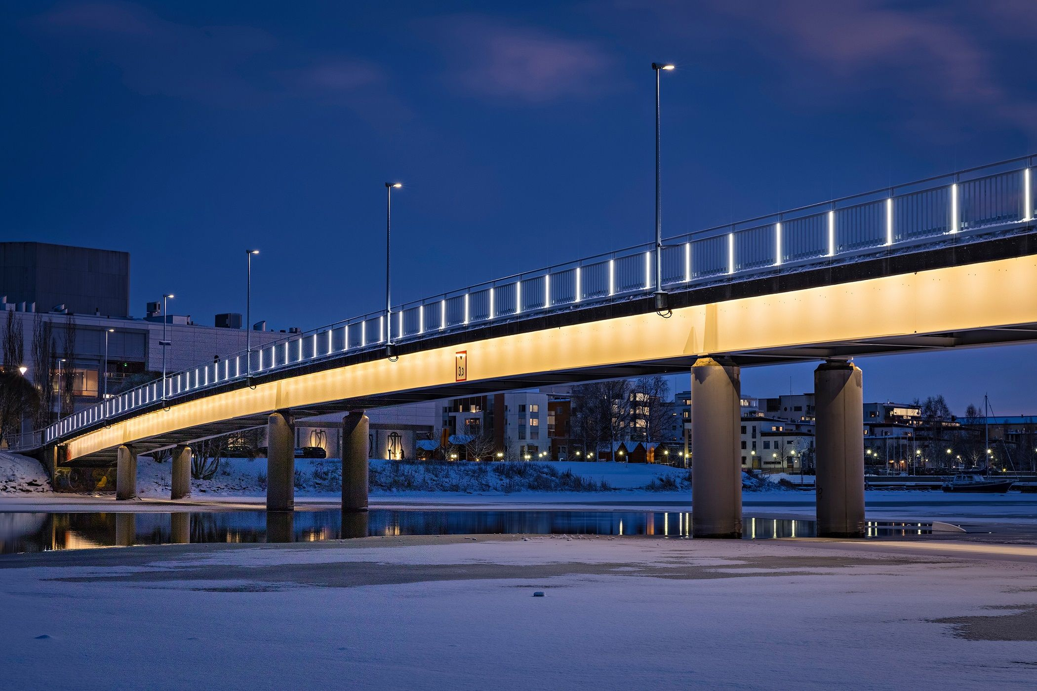 474a140890 Pikisaari bridge – Oulu, Finland – Architectural project: Roope Siiroinen,  VALOA design - Lighting products: LedTube, Underscore by iGuzzini  Illuminazione ...