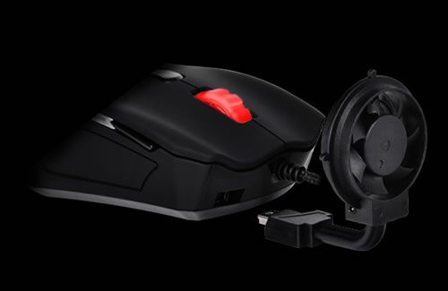 世界初、冷却ファン搭載のマウス「Tt eSPORTS Black Element Cyclone Edition MO-BLE001DTF」