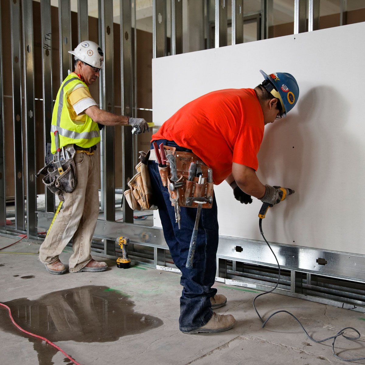 Hanging Drywall In 2020 Hanging Drywall Drywall Custom Homes