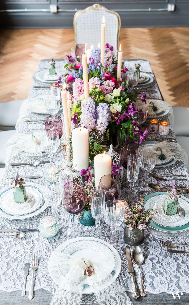 Vintage themed wedding table design wedding table decorations vintage themed wedding table design junglespirit Images