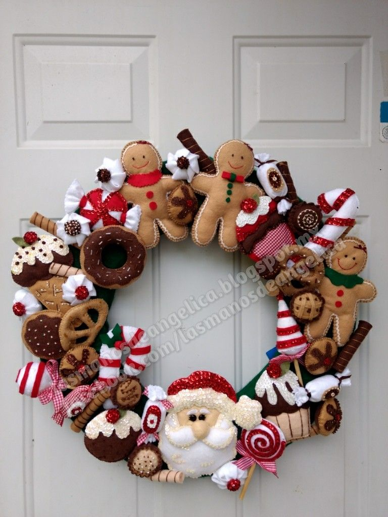 Corona De Navidad Las Manos De Angélica Decoracion Navidad Manualidades Coronas Navideñas Adornos Navidad Fieltro