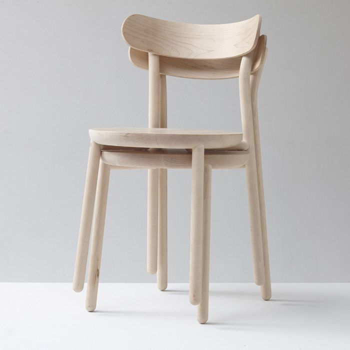 Them Chair Chaise En Bois Nicholas Karlovasitis Sarah Gibson Chaises Bois Chaise Design Chaise Empilable
