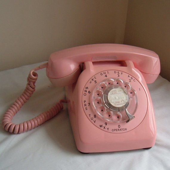 Cool Vintage phone and it's PINK!!