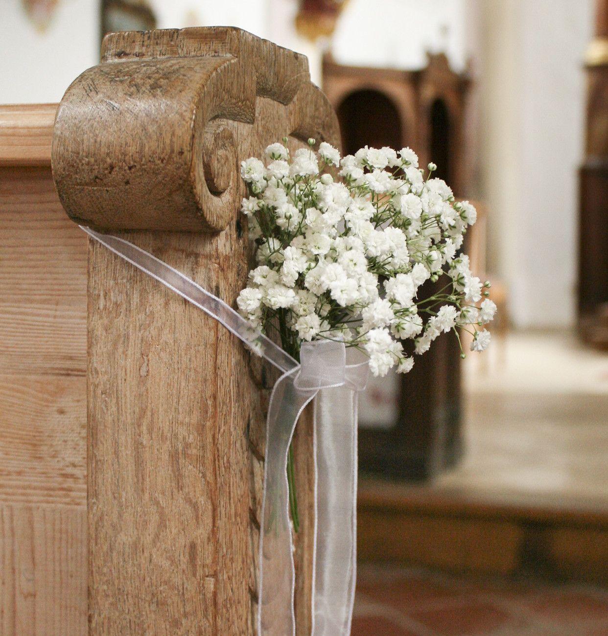 Kirchenbank mit schleierkraut deko hochzeit pinterest for Dekoration hochzeit kirche