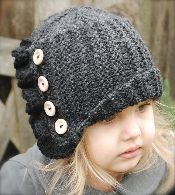 patron tricot bonnet cloche tricot pinterest patron tricot cloche et bonnet. Black Bedroom Furniture Sets. Home Design Ideas