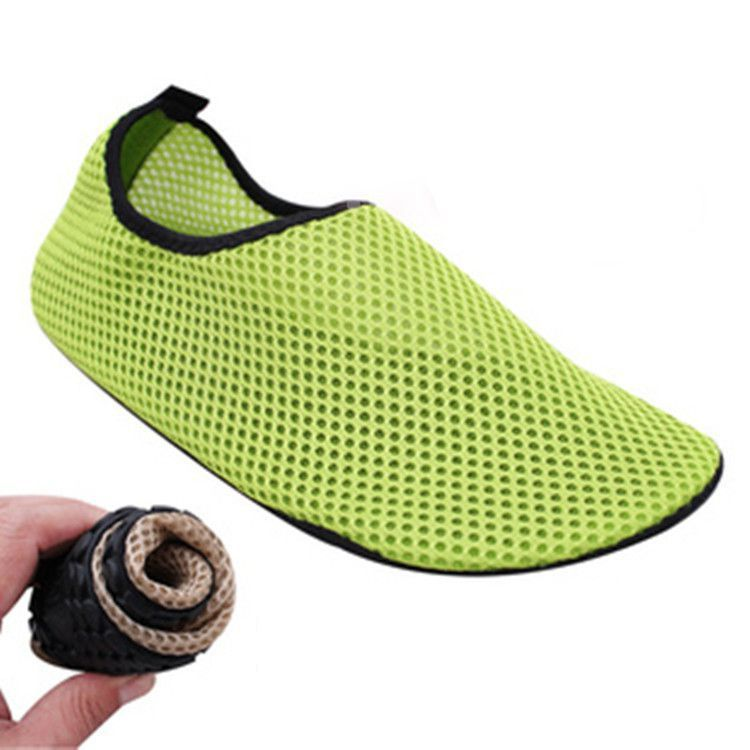 Lightweight colorful Water Shoes Skidproof Sole Breathable All Sizes For Men Women Kids