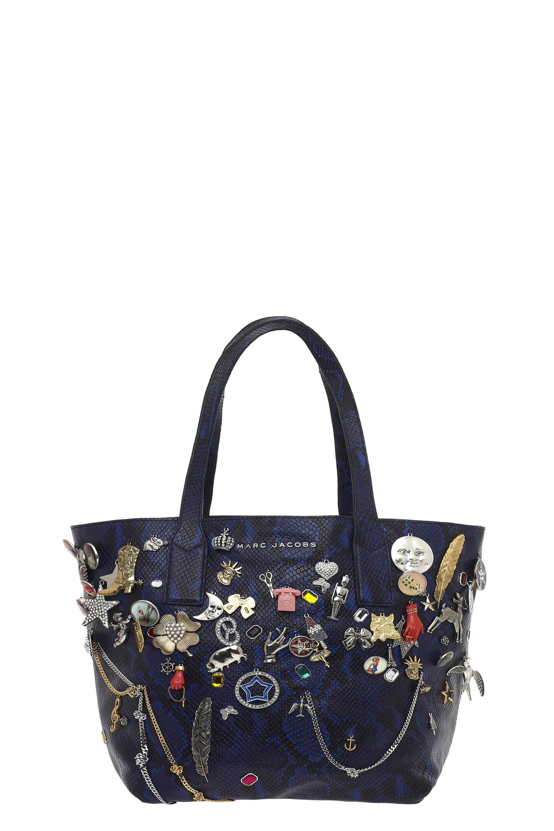 156b01d6585e40 MARC JACOBS Snake Embellished Wingman Shopping Bag.  marcjacobs  bags   leather  hand