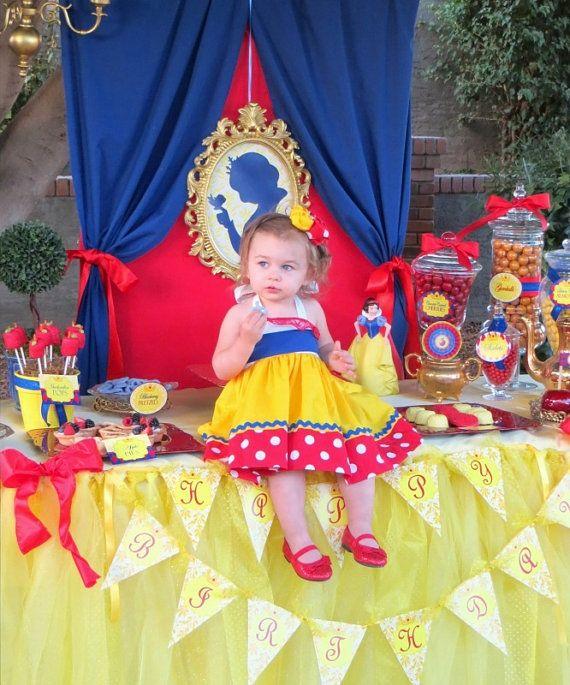 It S Just So Cute Snow White Birthday Party Snow White Party