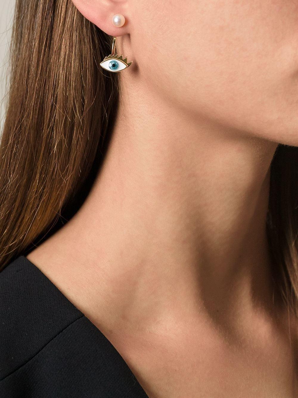 DELFINA DELETTREZ eye and pearl earring