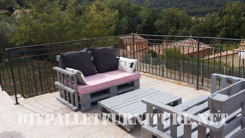 marie schickte uns diese sofas von paletten gemacht f r ihre terrasse das set enth lt auch eine. Black Bedroom Furniture Sets. Home Design Ideas