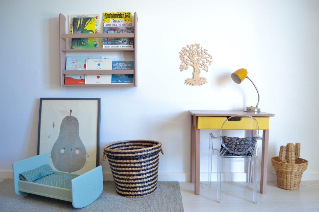 Wooden shelf #woodenshelf #kidsroom #woodentoys #woodendesk #dollsbed