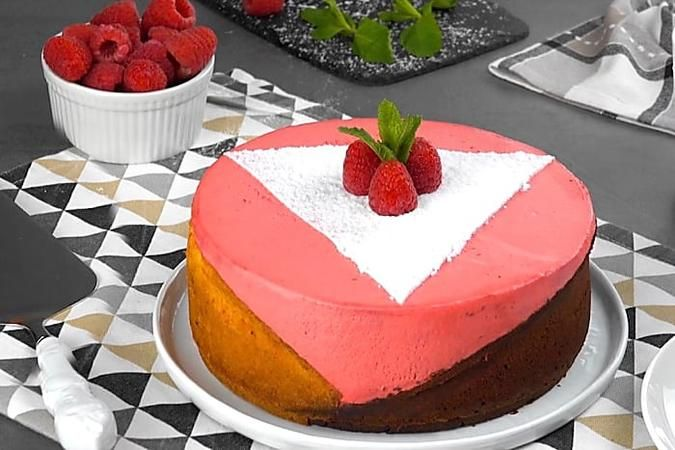 Fruchtiger Himbeerkuchen In Geometrischem Design In 2020 Kuchen Und Torten Rezepte Kuchen Und Torten Kuchen Ohne Backen