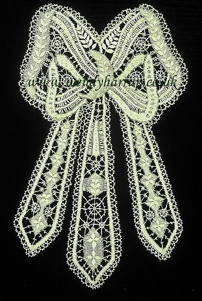 Bedfordshire bobbin lace bow.jpg - Hand made Bedfordshire bobbin lace bow. It was a pleasure to make, even if it was on the pillow for abou...