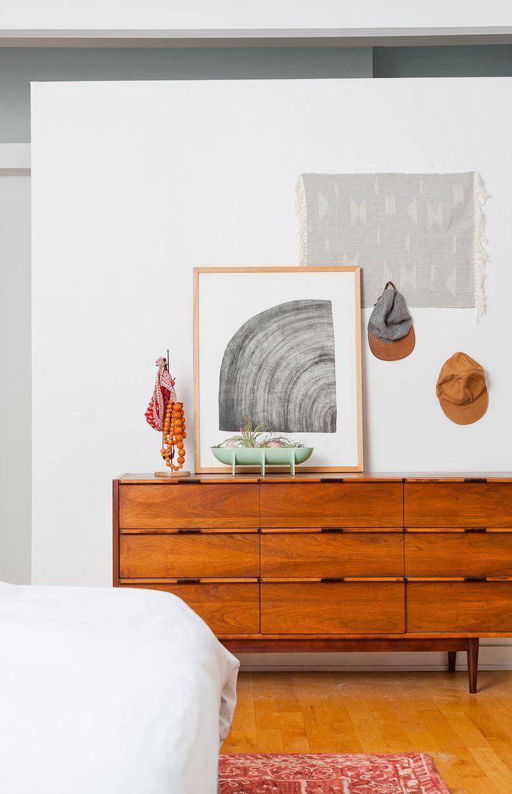 a minimal mid-century master bedroom makeover | vintage dressers