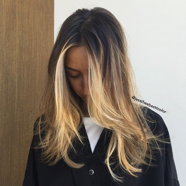 NY ✈️ LA for that California Bronde // cut by @cleencuts #jesstheebesttcolor #jesscleen #olaplex #balayage #ombre #surferhair #sunkissed #sallyhershbergerla #bronde