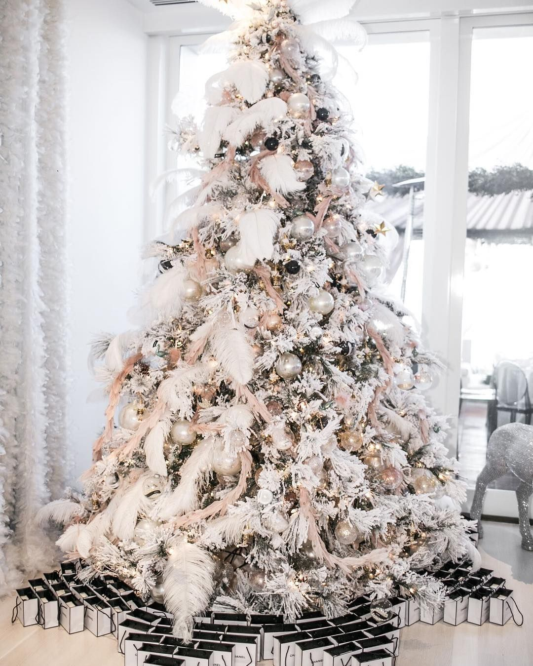 """Whitelilacinc on Instagram: """"'Twas the prettiest tree filled with @chanelofficial ornaments and goody bags ❄️❄️❄️#whitelilacinc #christmastree #christmas photo:…"""""""