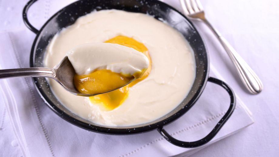 Crema de limón con helado de mango (Trampantojo de Huevo frito con patatas) - Elena Aymerich - Receta - Canal Cocina