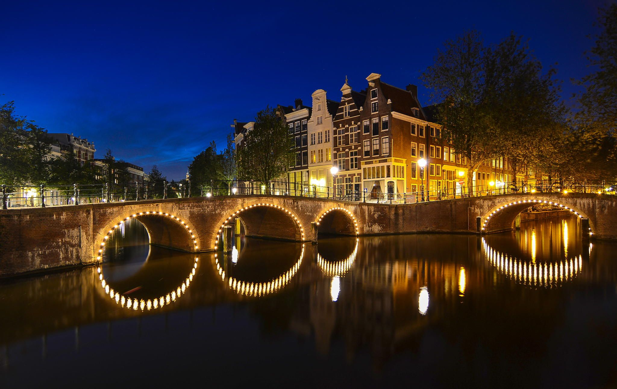 Amsterdam's Canal by Angel  Flores on 500px