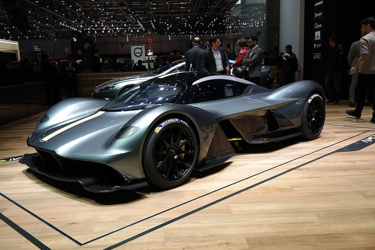 Top 10 Most Expensive Cars In The World 2020 With Interior Cockpit Photos Most Expensive Car Expensive Cars Aston Martin