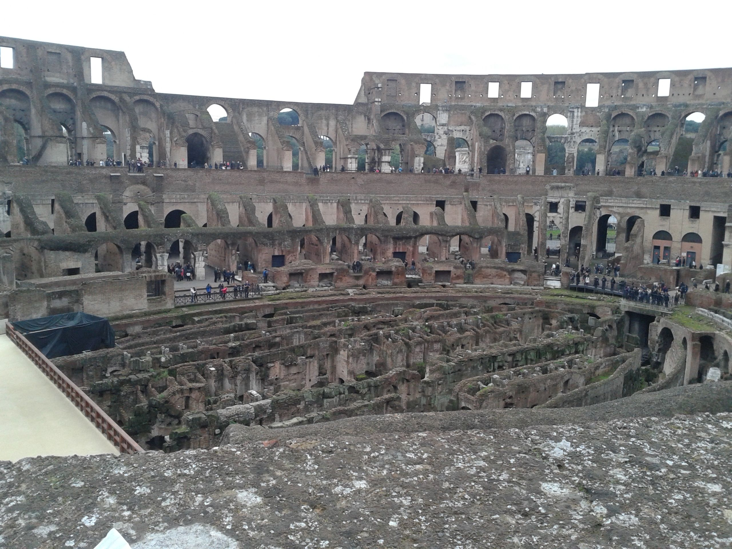 Coliseu por dentro - Roma - Itália