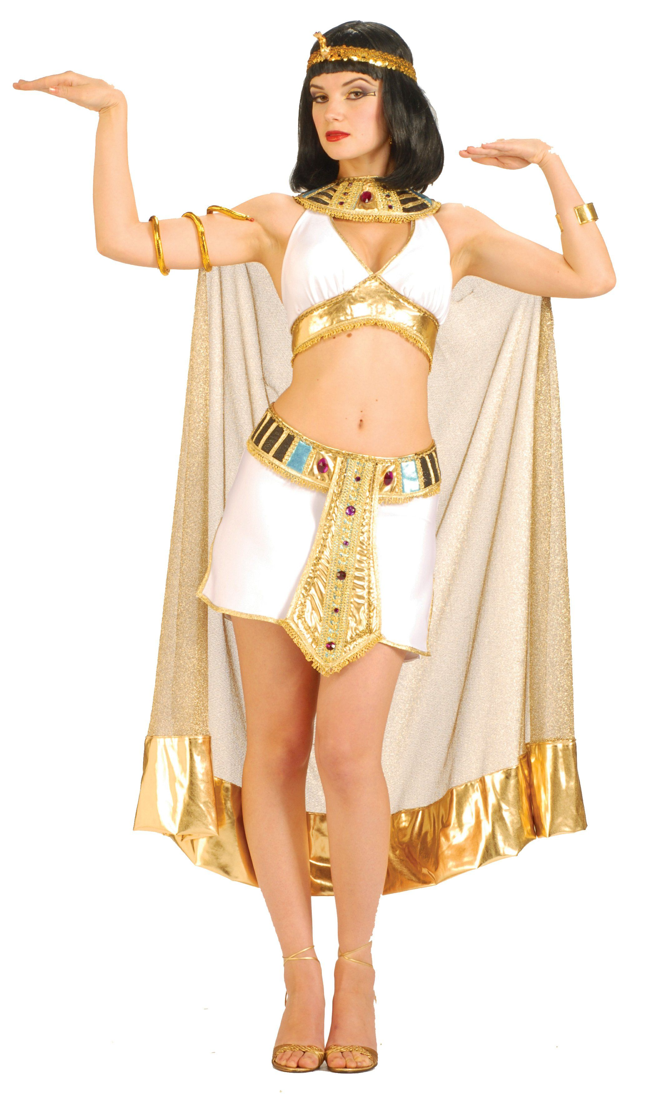 cleopatra-cosplayer-with-a-gorgeous-body