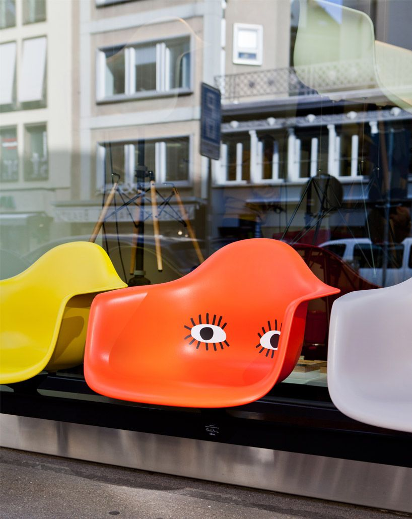 Opening In Zurich And Amsterdam The Vitra Pop Up Stores Use A Hybrid Retail Approach To Allow Guests To Config Plastic Chair Eames Plastic Chair Pop Up Stores