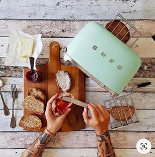 Smeg Retro Pastel Green Toaster. in 2020 Smeg, Green