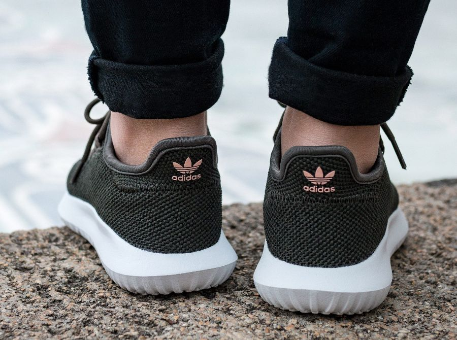 chaussure adidas tubular shadow en maille grise pour femme 1