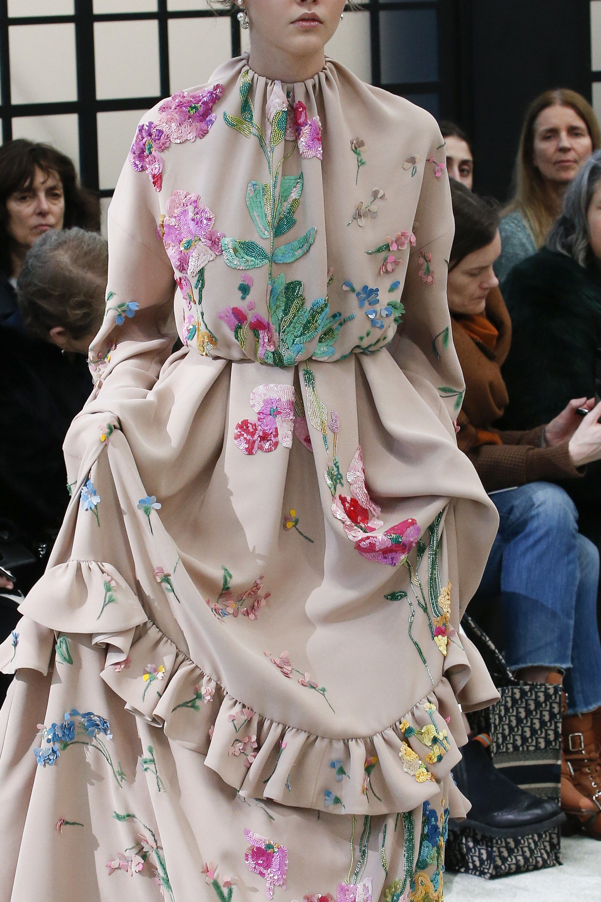 7b0da62b2b6 Valentino Fall 2018 Ready-to-Wear Fashion Show Details  See detail photos  for Valentino Fall 2018 Ready-to-Wear collection. Look 128