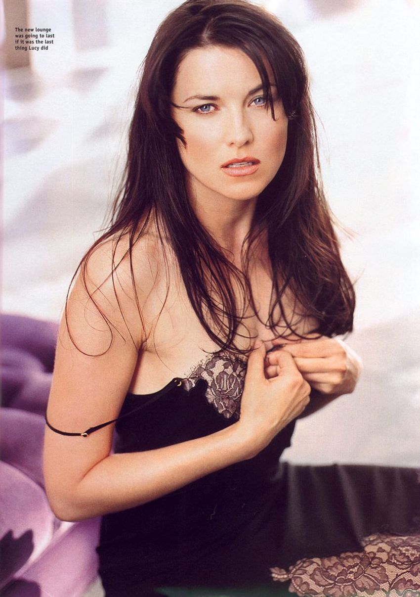 Hacked Lucy Lawless naked (89 photo), Tits, Bikini, Twitter, see through 2006