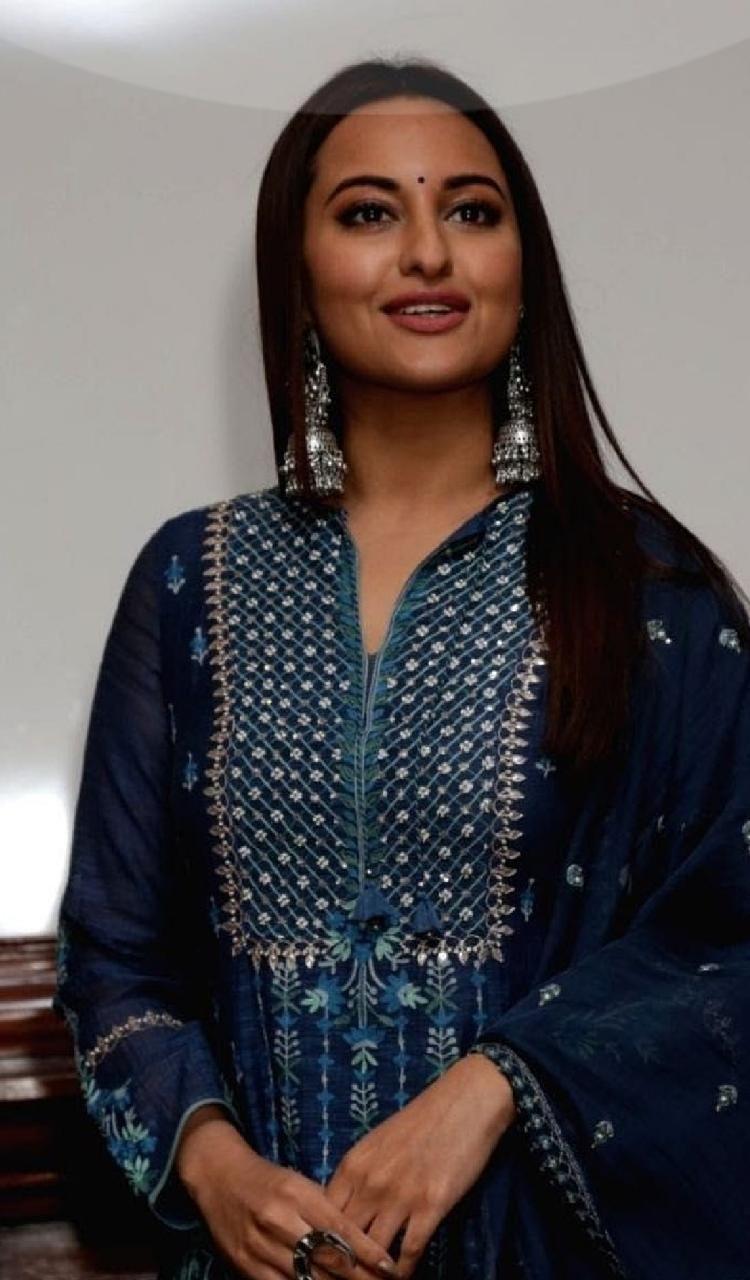 Madhuri Dixit Looked Lovely In An Anita Dongre Lehenga
