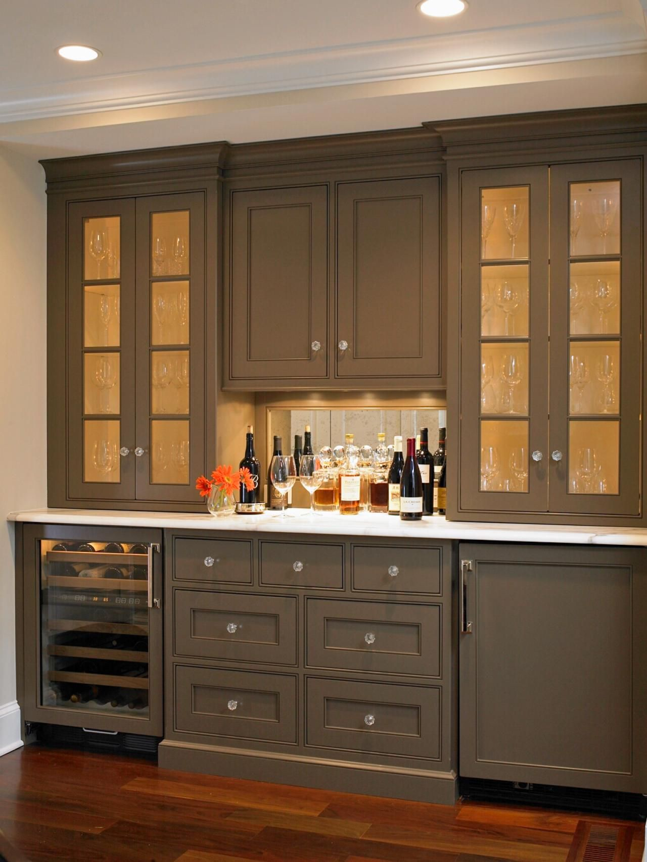 Best pictures of kitchen cabinet color ideas from top for Are painted kitchen cabinets in style