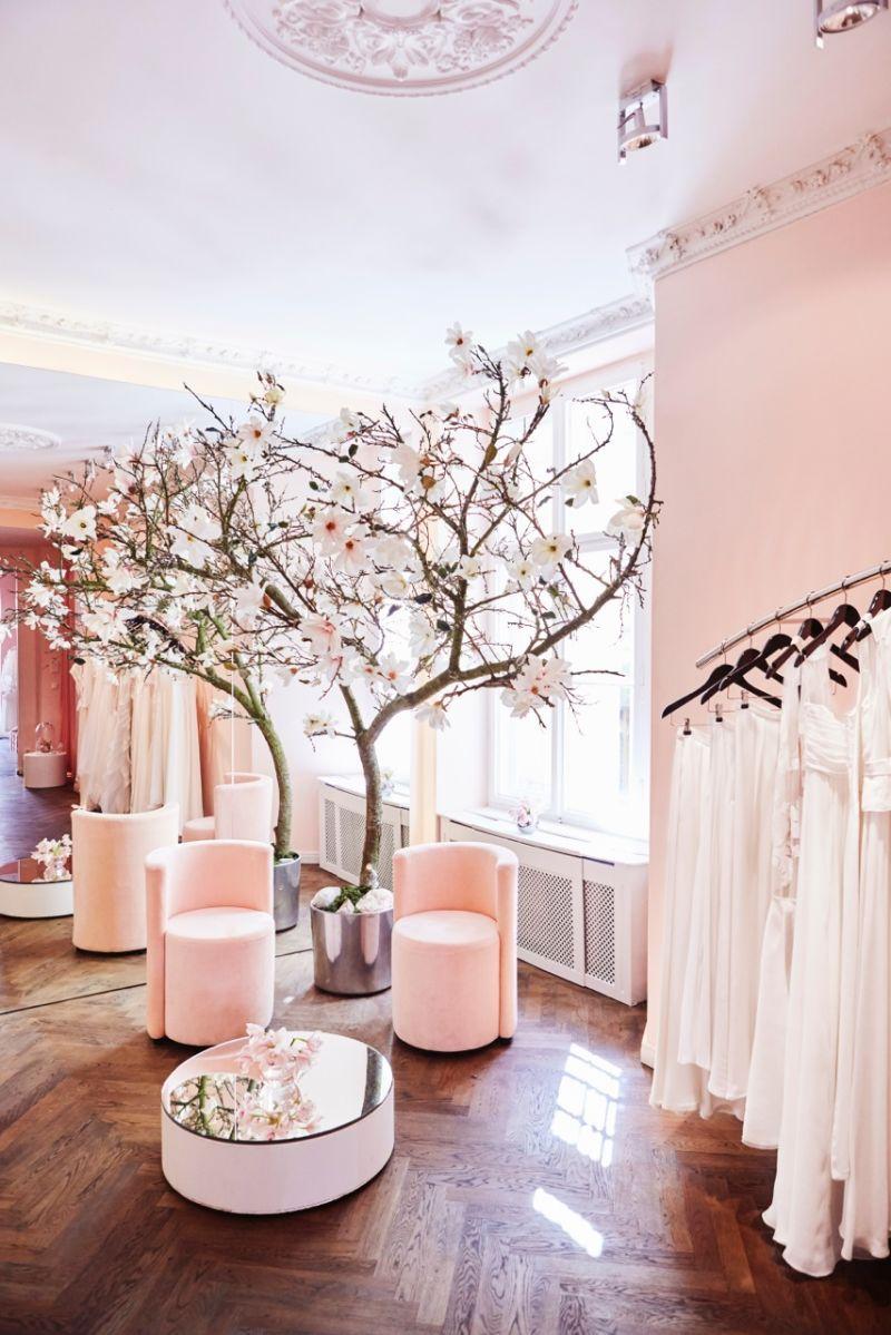 Bridal Budget Boutique Kaviar Gauche auf AD #bridalshops