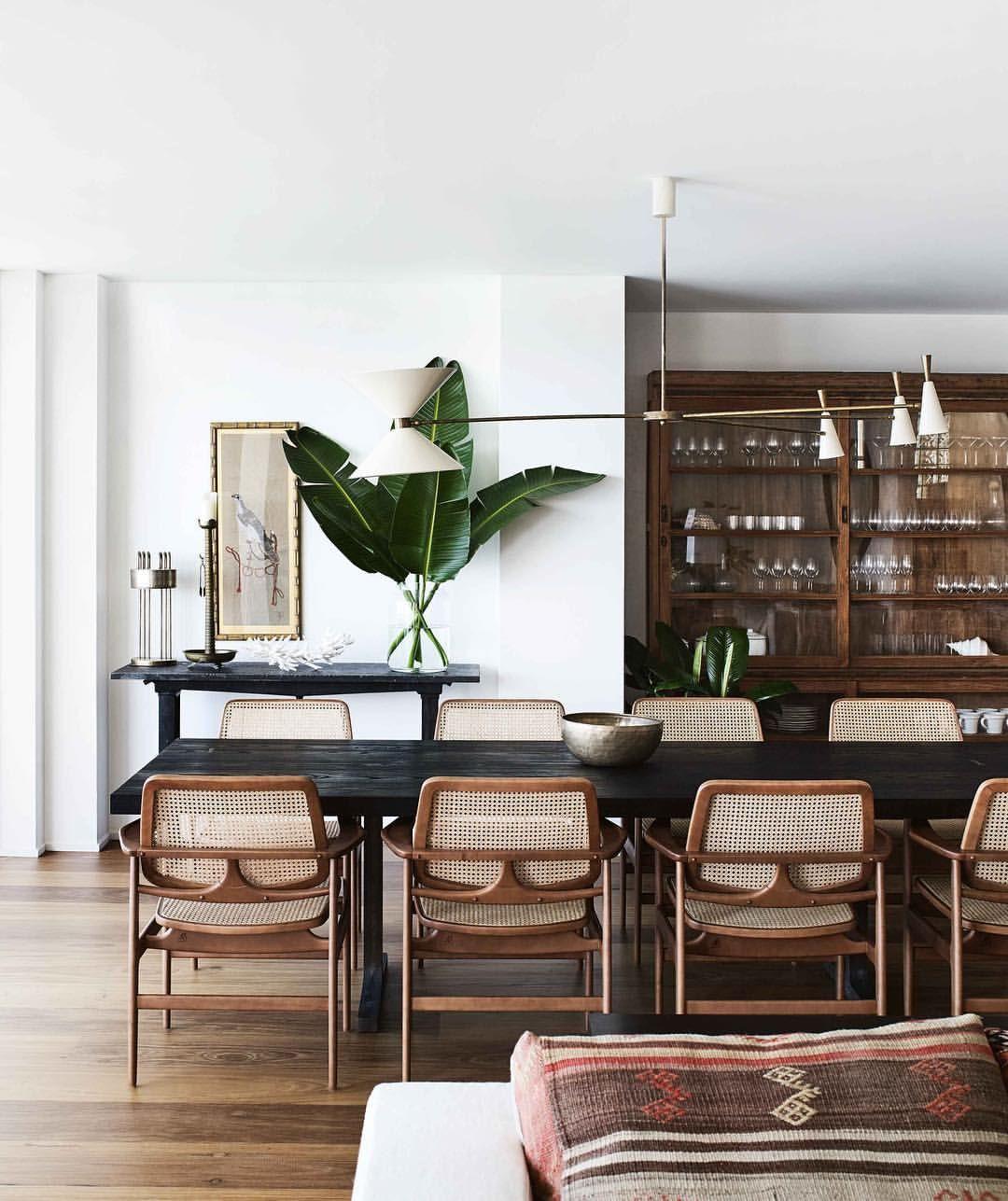 Vogue Living On Instagram Interior Designer Sarahdavisoninteriors Overhauled This Waterfront P Dining Room Decor Modern Modern Dining Room Dining Room Decor
