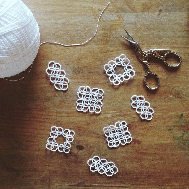 PHILOSOPHIA の春物の合間を縫ってちょっとずつ編んでる。 そろそろ鋳造したいな。