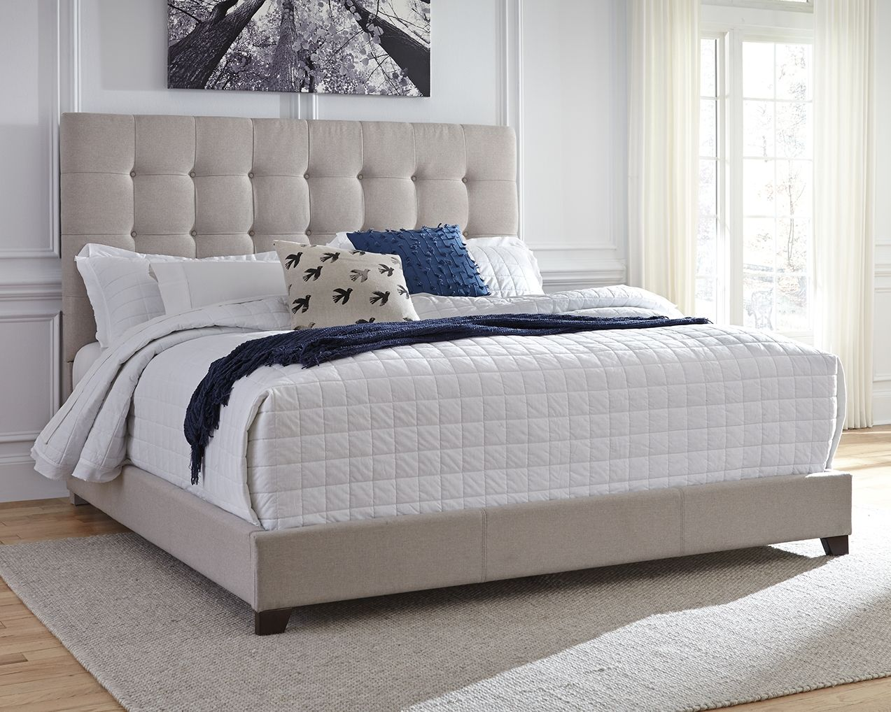 "Dolante Queen Upholstered Bed with 10"" Hybrid Mattress in"