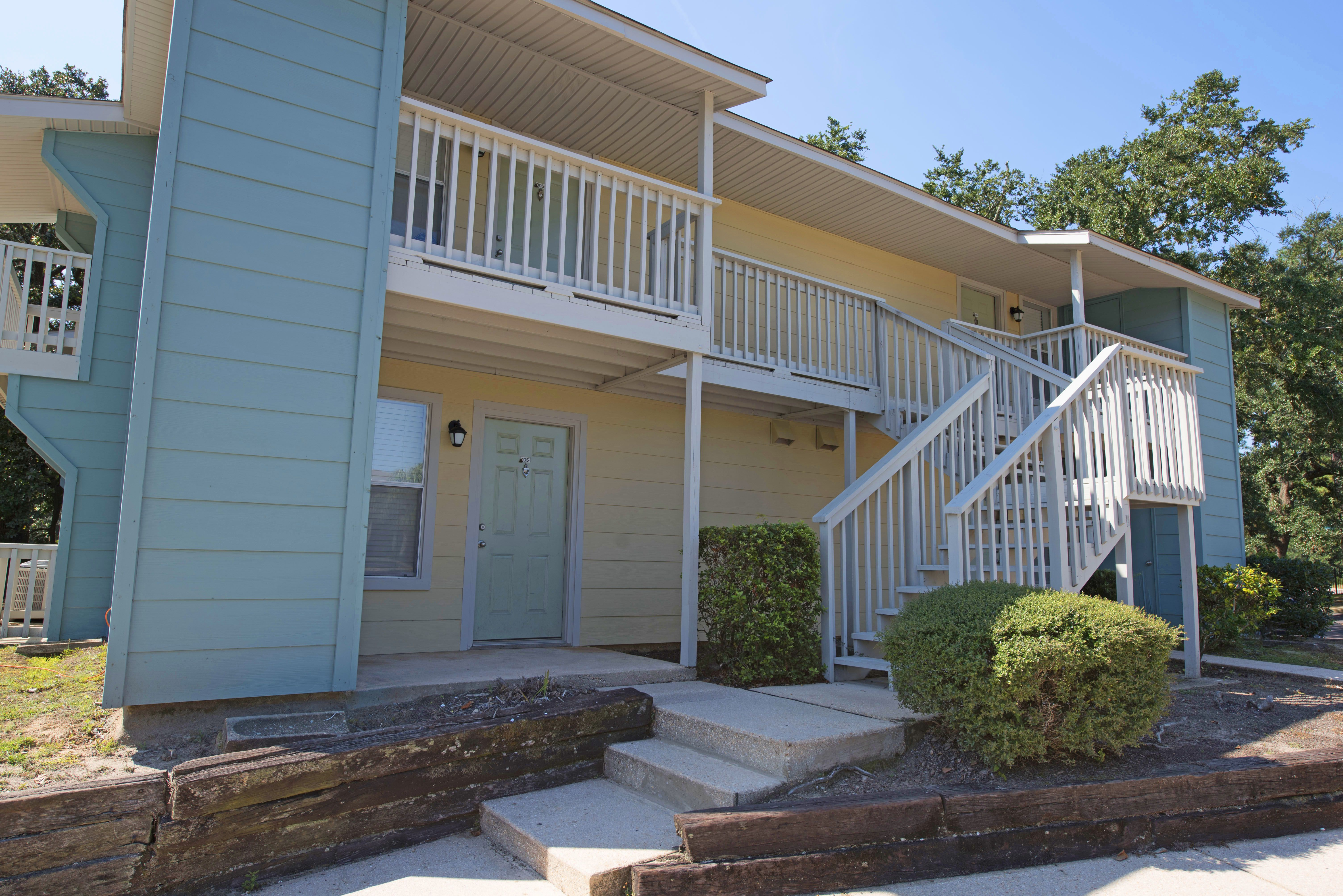701 South Apartment Homes Resort Style Pool Picnic Area Two Bedroom Floor Plan