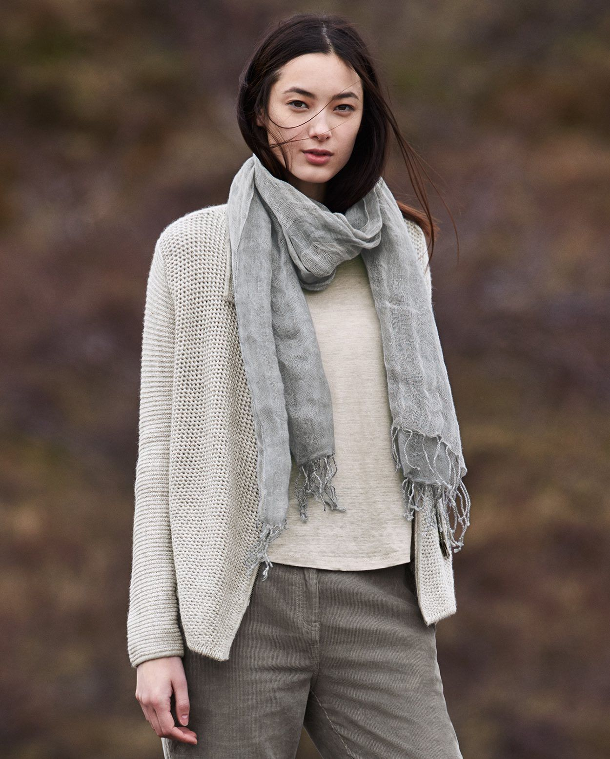 Image of Wide linen scarf