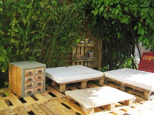 Muebles de palets instrucciones paso por paso para hacer un rinc n chillout con palets - Fabricar muebles con palets ...