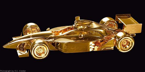If you are the one who recognize the value of owning an original, one-of-a-kind work of art and are willing to make the investment, you need to check out stunning gold automobile sculptures by Mike Dunlap. For more than 25 years, Michael Dunlap has...