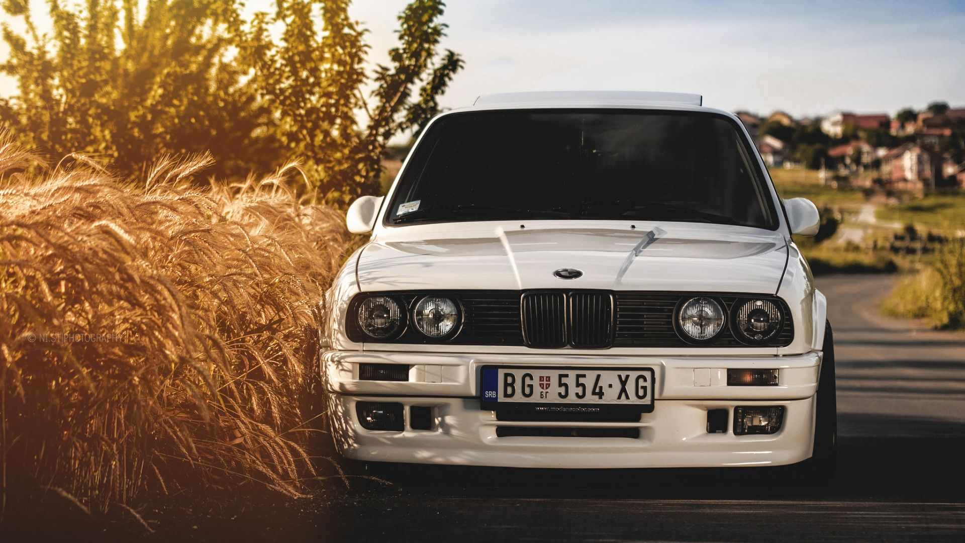 Bmw Wallpapers Hd Car Wallpapers And Backgrounds Mobil